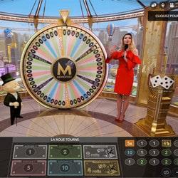 Studio réel de Monopoly Live, la roue de la fortune d'Evolution Gaming