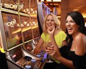 Un heureux gagnant de machine a sous décroche le jackpot progressif au Sunset Station casino